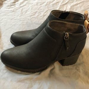 NWT Dr. Scholl's comfort cushion black bootie